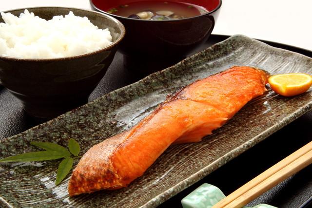 旬の鮭を使った和食