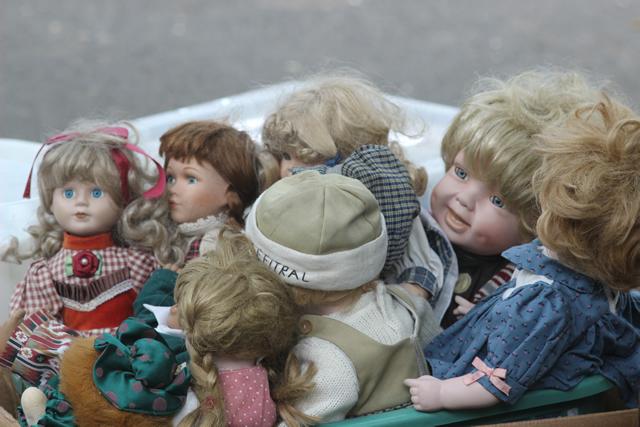 捨てられた人形たち