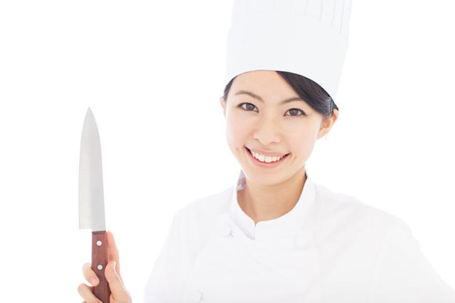 包丁と女性シェフ