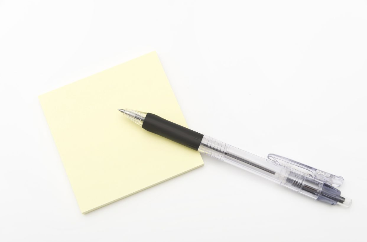 ボールペンと付箋