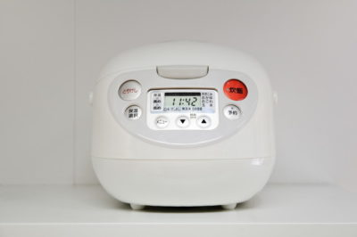 白い炊飯器