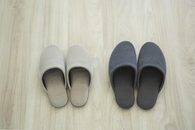 2足のスリッパ