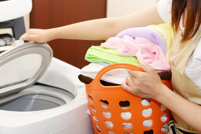 洗濯機 縦型 入れる