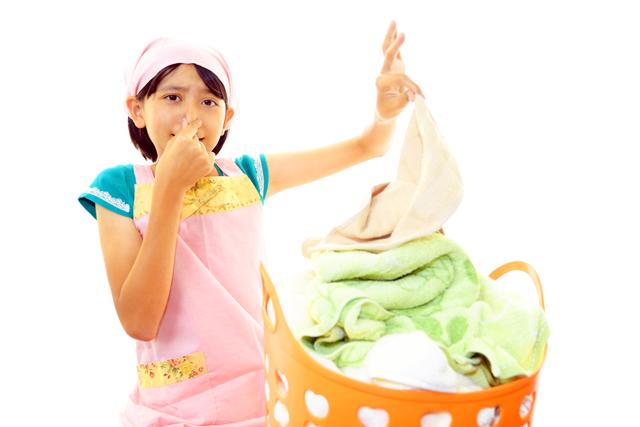 洗濯物 臭い 少女