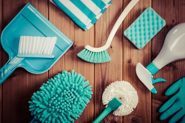 グリーン調の掃除道具