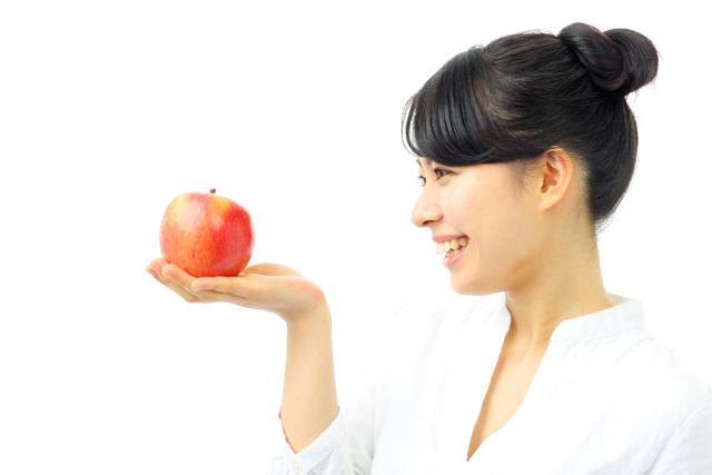 リンゴ 女性