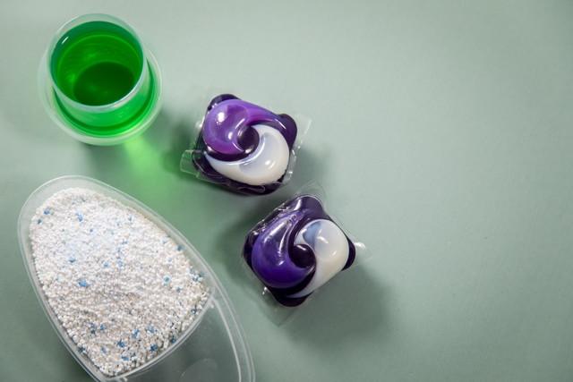 ジェルボールと液体洗剤と粉末洗剤