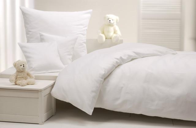 羽毛布団とベッド