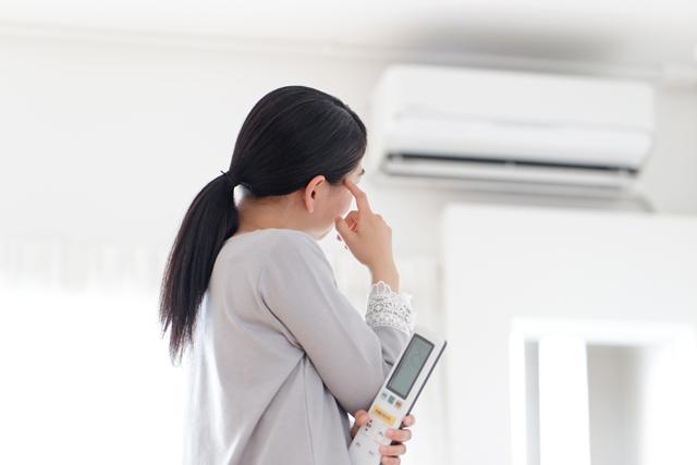 エアコン 困る女性