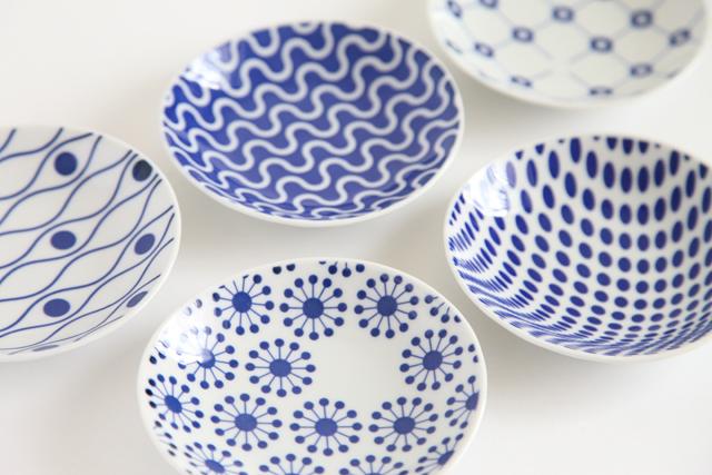 小さい陶器