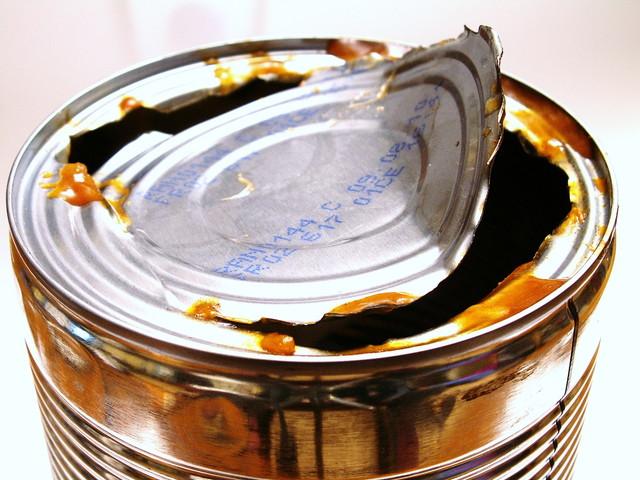 開け方を失敗した缶詰