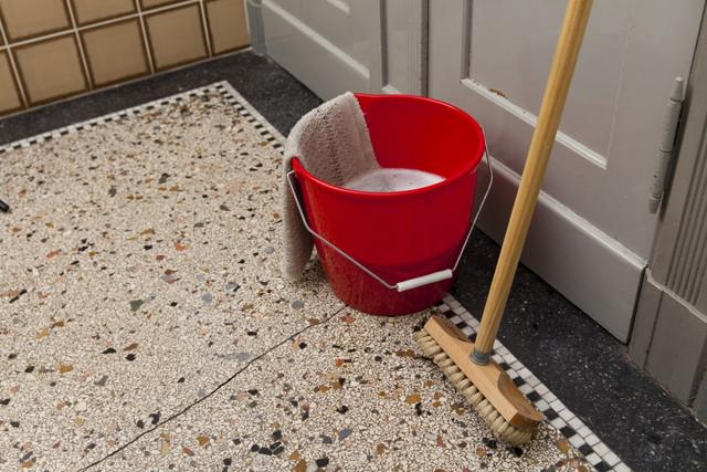 玄関の掃除道具