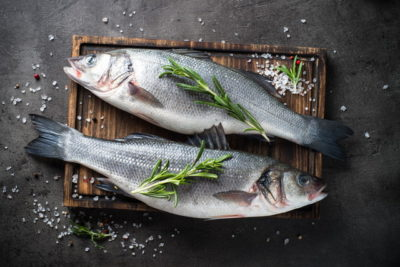 魚料理の準備