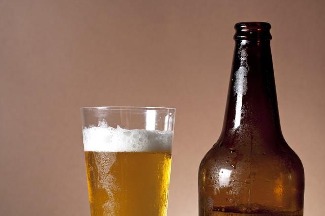 瓶ビールとグラス