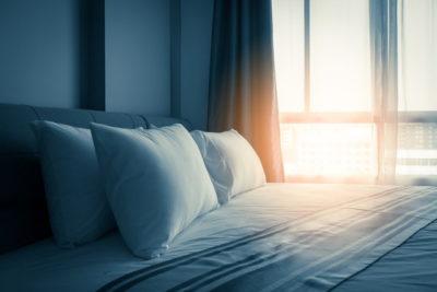 枕と日差し