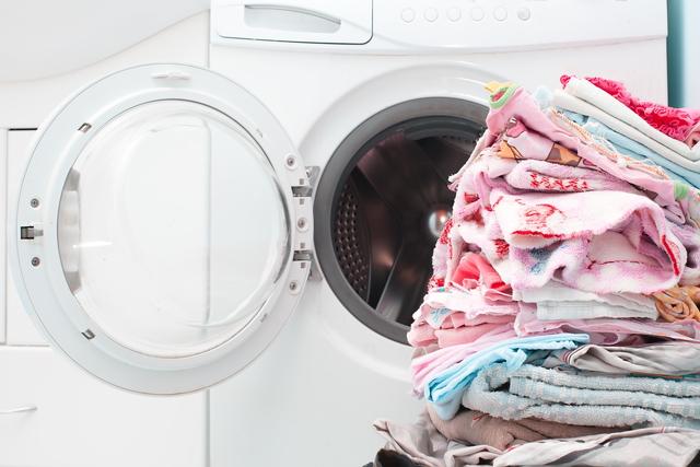 ドラム式洗濯機と洗濯物