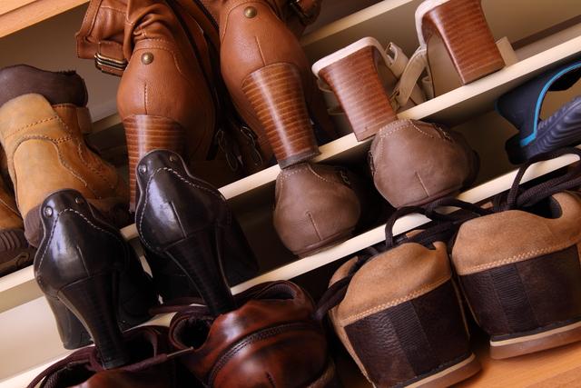 下駄箱の中の靴
