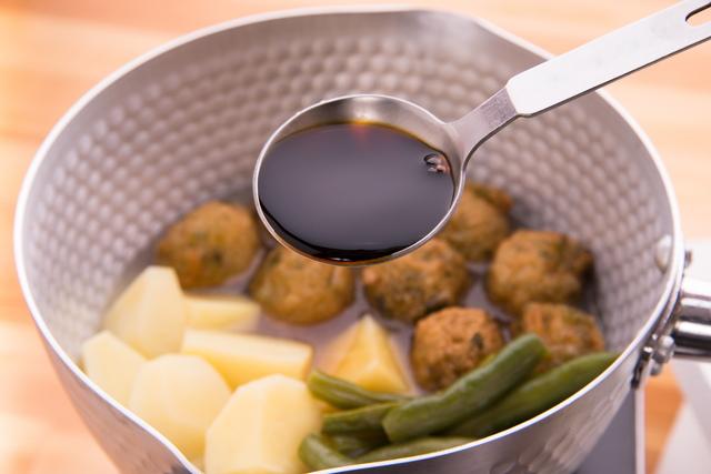 醤油で味付けする煮物