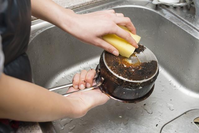 ステンレス鍋の焦げ付き