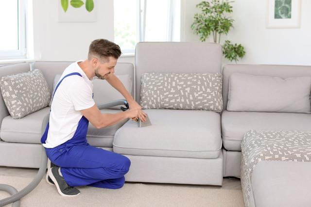 ソファーをクリーニングする業者