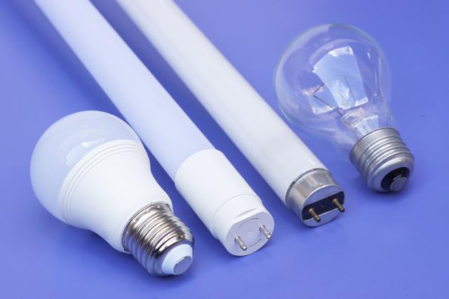 蛍光灯と電球
