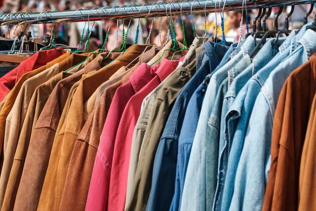 リサイクルショップの服