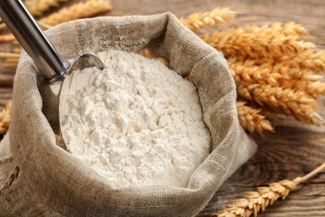 麻袋に入った小麦粉