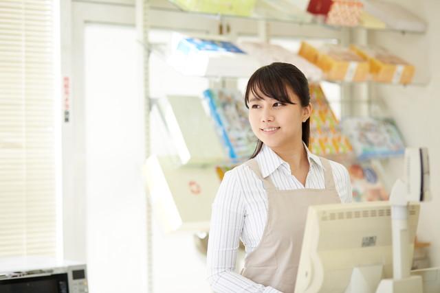 アルバイトの女性イメージ