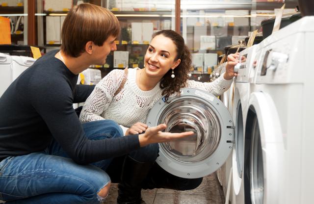 洗濯機を見る人