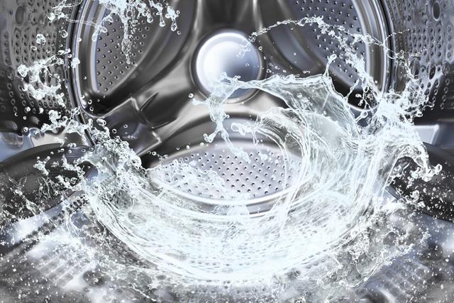 洗濯機に注水