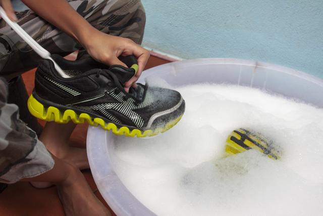 運動靴 洗濯
