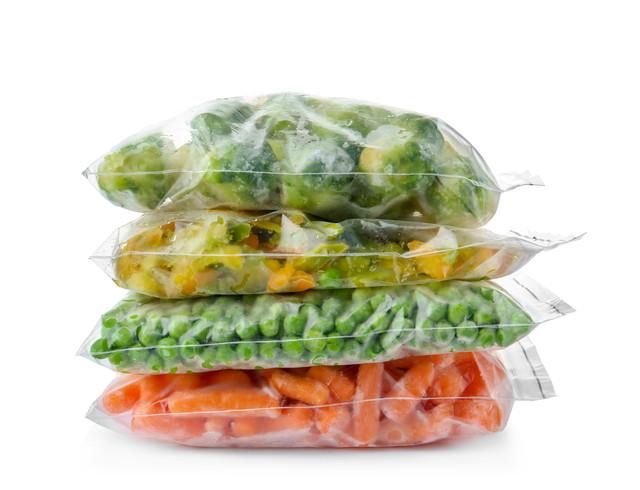 ジップロックに入れられた野菜