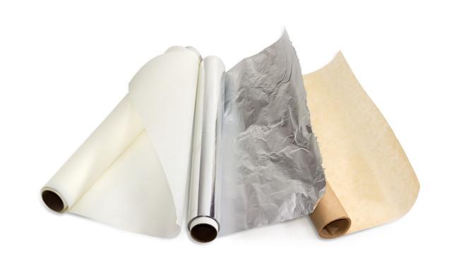 パーチメント紙と家庭用アルミ箔
