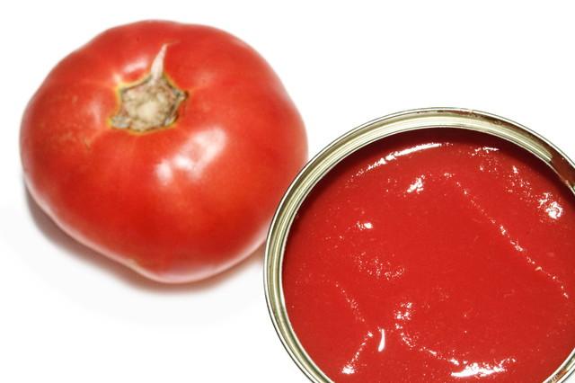 トマト缶と生トマト