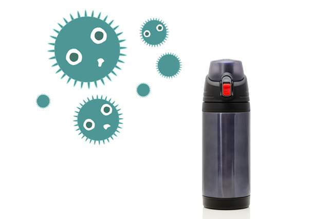 水筒とカビ菌