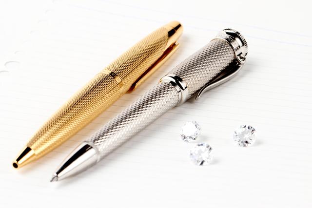 高価なボールペン