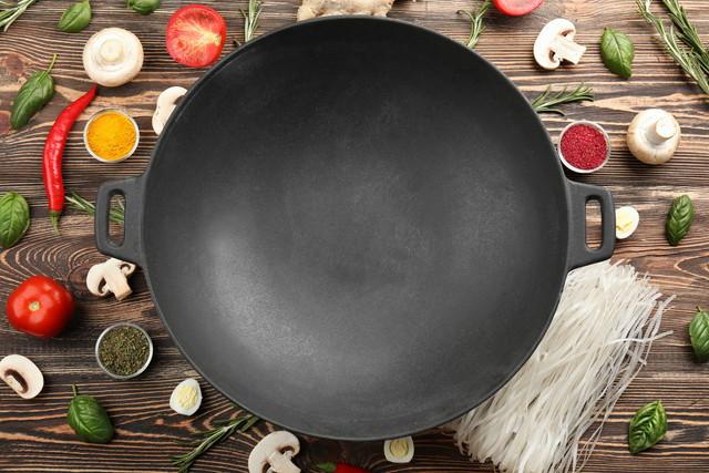 中華鍋の周りに直材