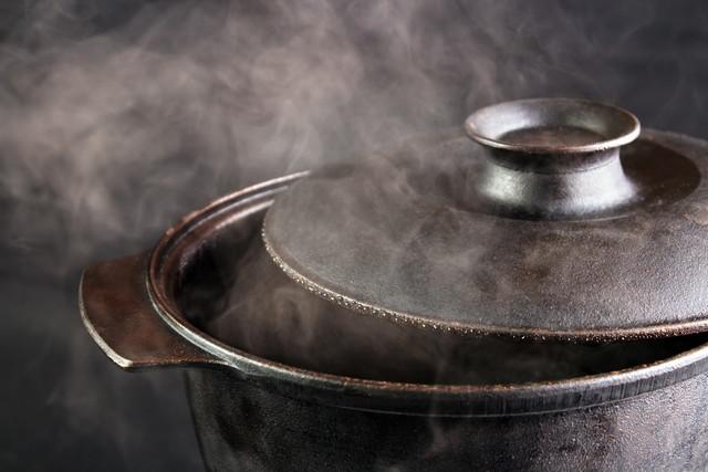湯気の出る鍋
