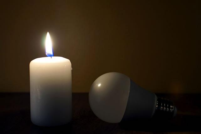 ロウソクと電球