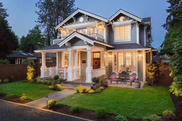 夜の美しい家