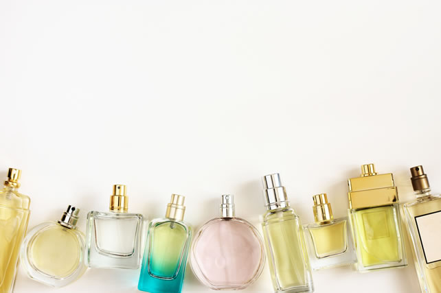 Set of woman perfumes