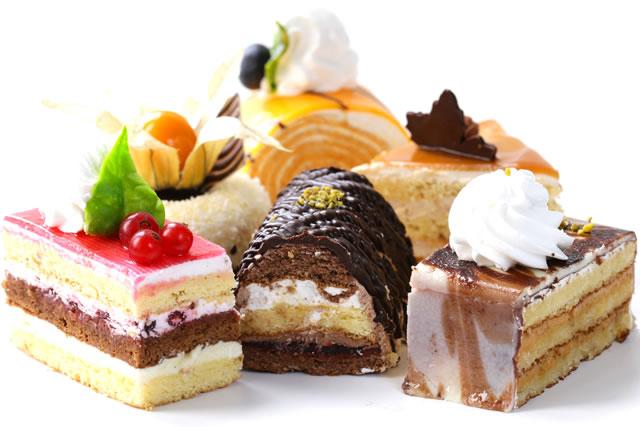 色んなデコレーションケーキ