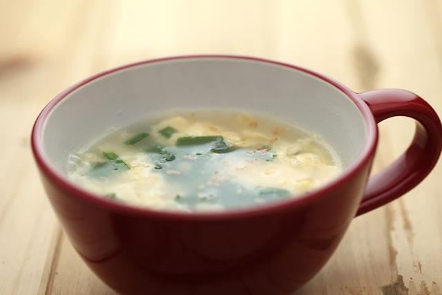 にらの入った卵スープ