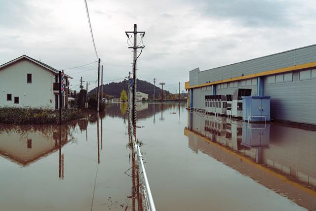 台風で浸水した街