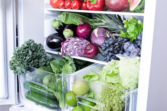 冷蔵庫に入った野菜