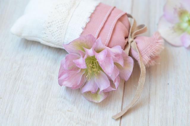 ピンクの匂い袋