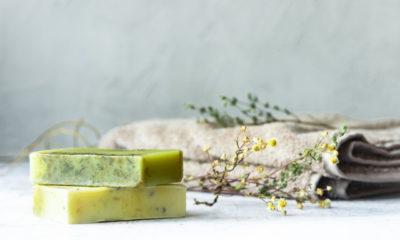 タオルと緑色の石鹸