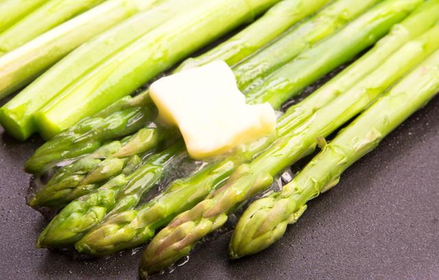 グリーンアスパラガスのバターソテー