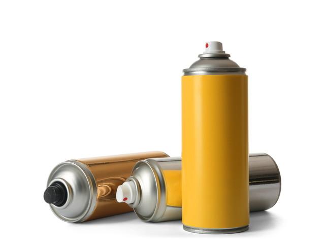 スプレー塗料の缶