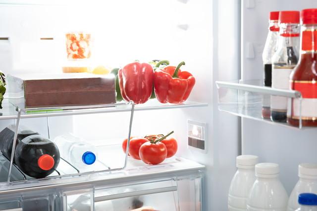 健康食品がいっぱいの冷蔵庫